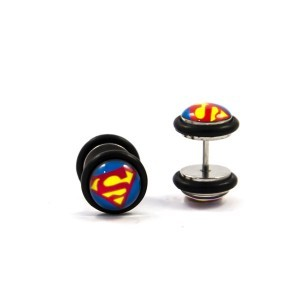 dilatacion-falsa-superman-yanni-piercing